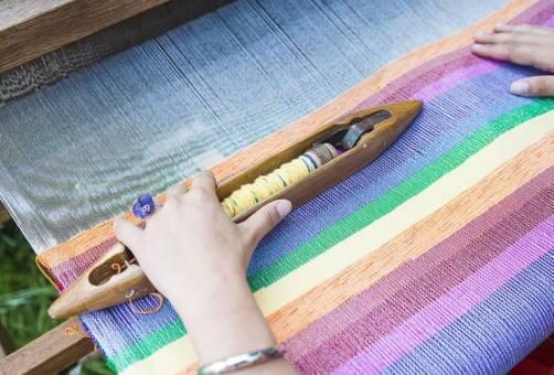 ジャカード織りってどんな織り方?